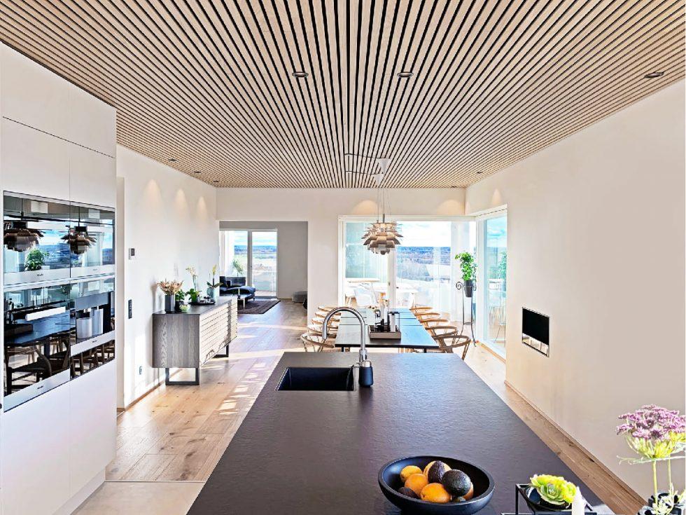 Dubové lamely na stropě