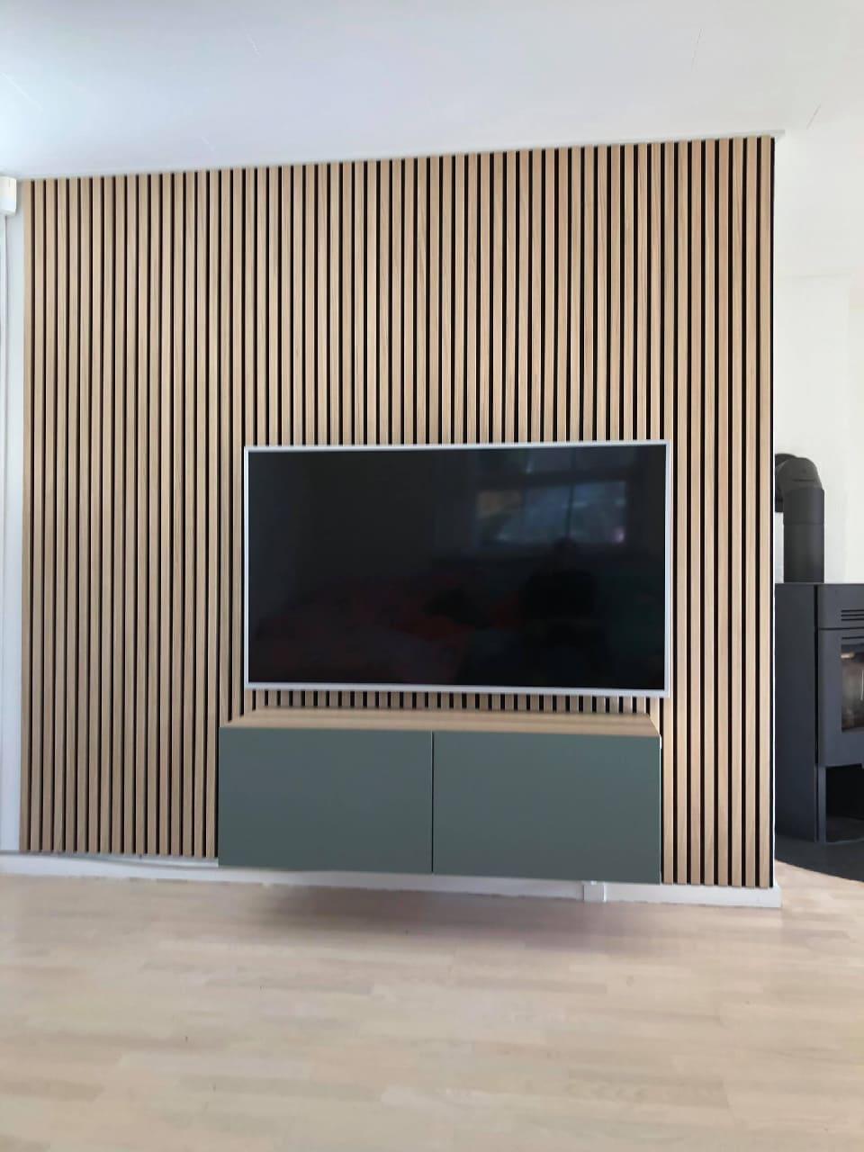 Lamelová TV stěna